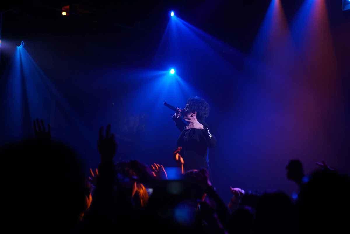 SKY-HI、アメリカ名門ライブハウスでのライブ映像が公開! music180522_skyhi_5-1200x802