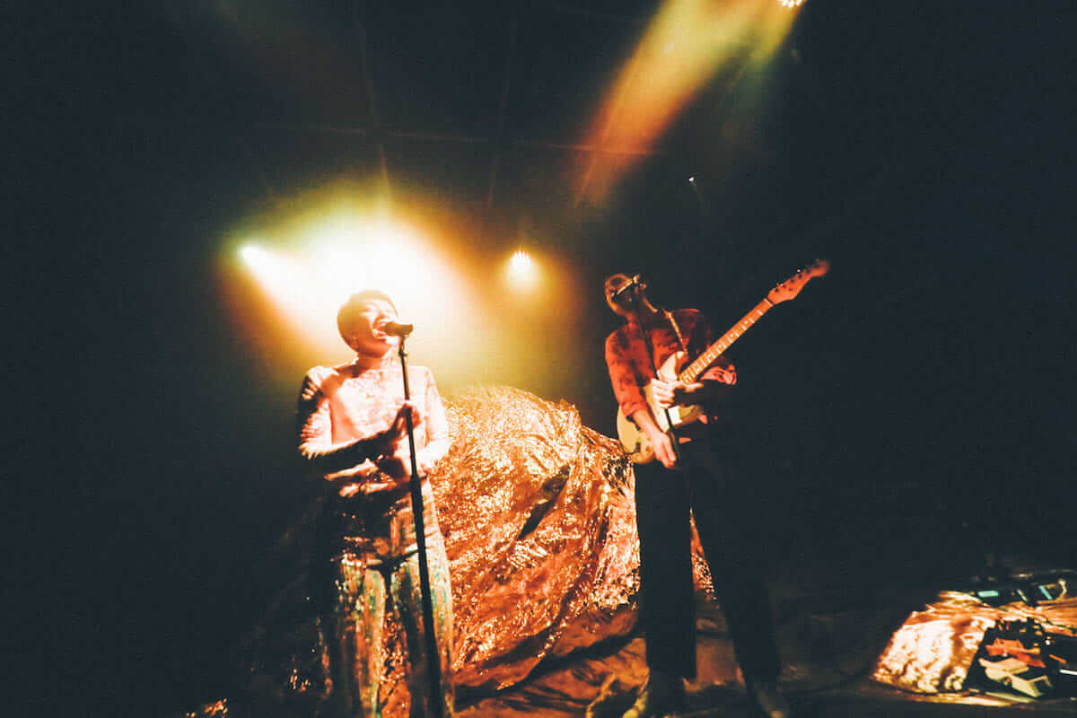 水曜日のカンパネラ×サマソニ出演のフレンチ・ポップバンドMoodoidがコラボ新曲を披露。代官山 SPACE ODD、ライブフォトレポート 0997-1200x800