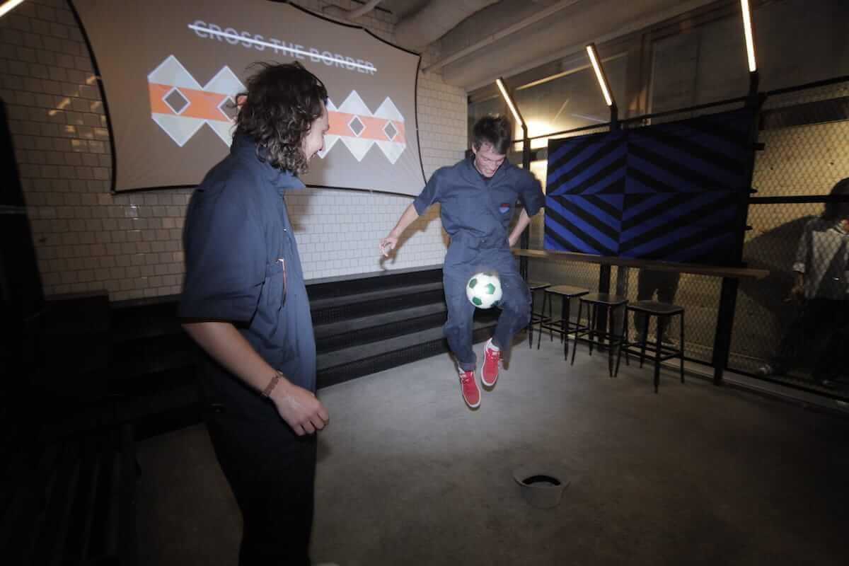 ニューヨークで話題のストリートサッカークラブNowhere FC×CROSS THE BORDER、コラボ商品ローンチパーティーレポート life180621-nowhereFC2-1200x800