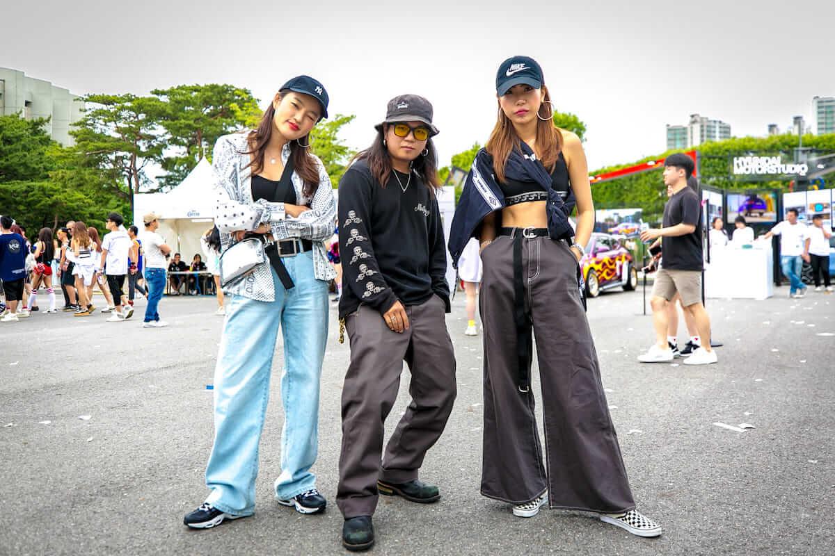 音楽フェス<ULTRA KOREA>ファッションスナップ:韓国美女たちの2018最新ファッショントレンド music180611_umfkorea_11-1200x800