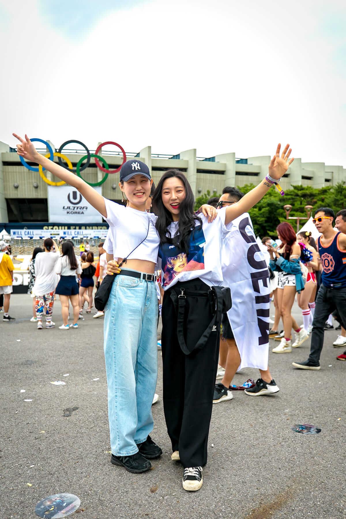 音楽フェス<ULTRA KOREA>ファッションスナップ:韓国美女たちの2018最新ファッショントレンド music180611_umfkorea_12-1200x1800