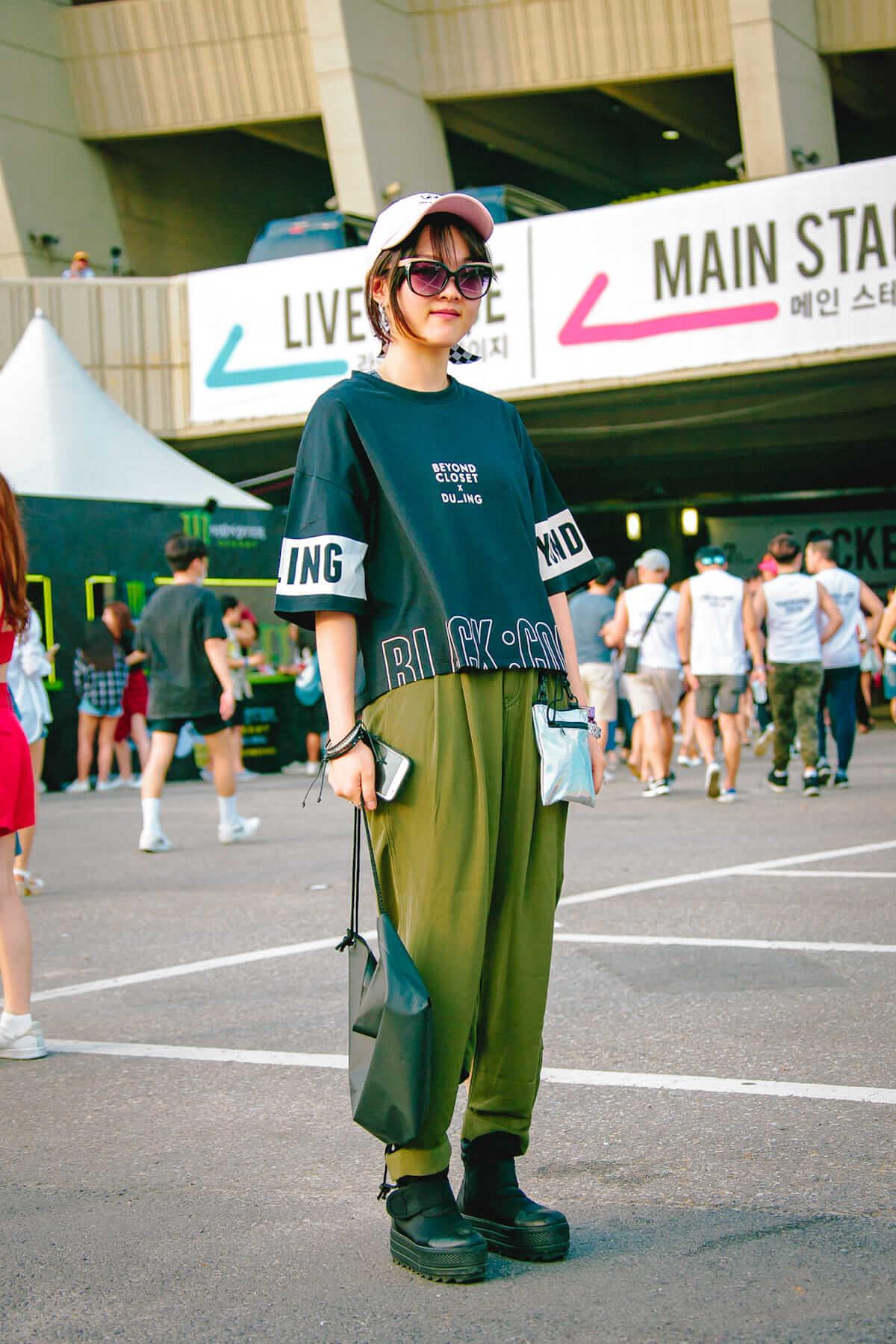 音楽フェス<ULTRA KOREA>ファッションスナップ:韓国美女たちの2018最新ファッショントレンド music180611_umfkorea_14-1200x1800