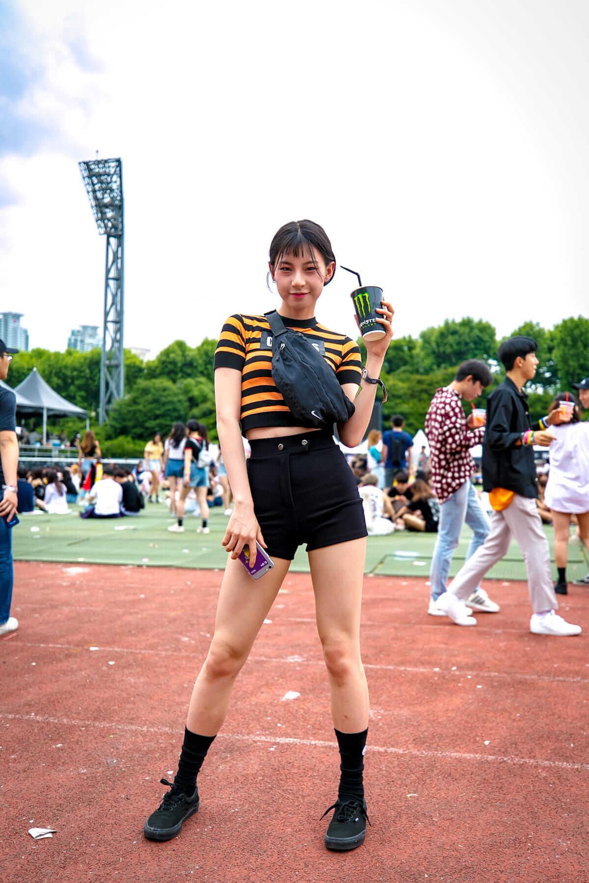 音楽フェス<ULTRA KOREA>ファッションスナップ:韓国美女たちの2018最新ファッショントレンド music180611_umfkorea_5-1200x1800