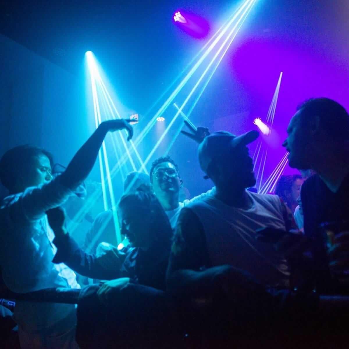 【特集】VakulaやHunee、Tom Tragoを招聘するパーティー「Kewl」をご存知だろうか? music180630_kewl_10-1200x1200