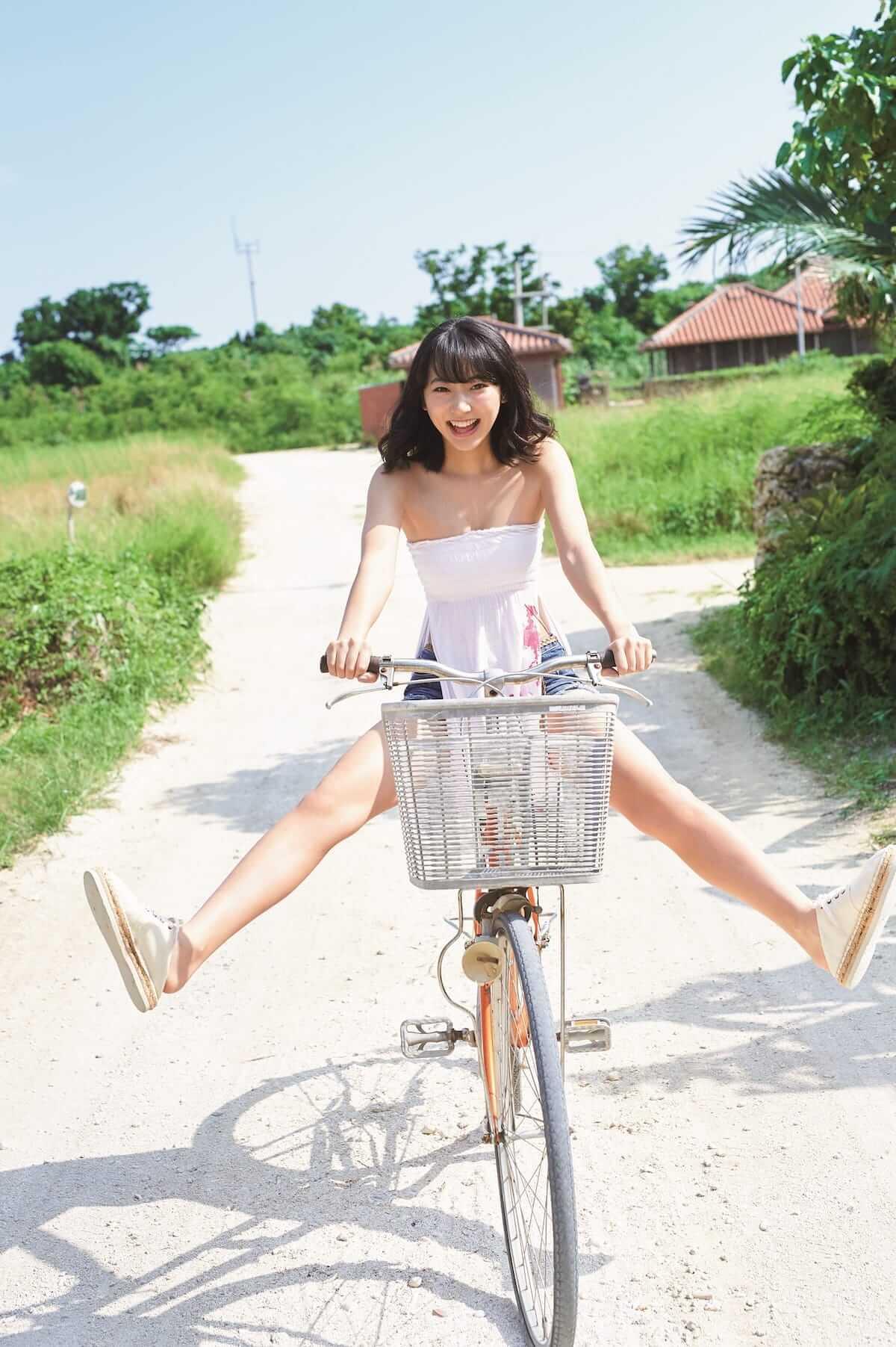 まるで武田玲奈と旅行してるみたいなフォトブック!思わずドキッとする姿も収録!? art180703_renatakeda_1-1200x1803