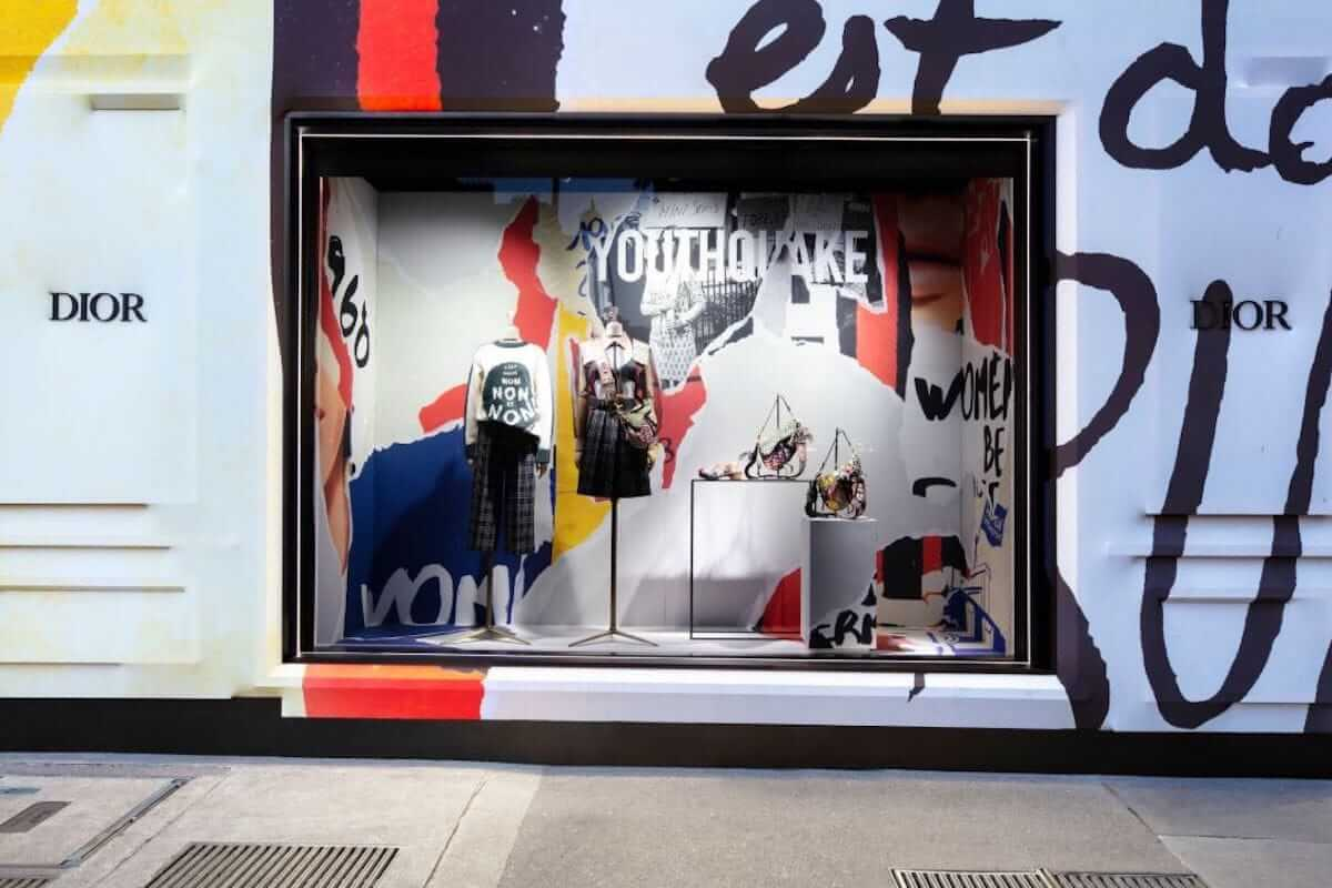 ディオール、パリ本店が期間限定でカラフルに! fashion180705_dior_3-1200x800