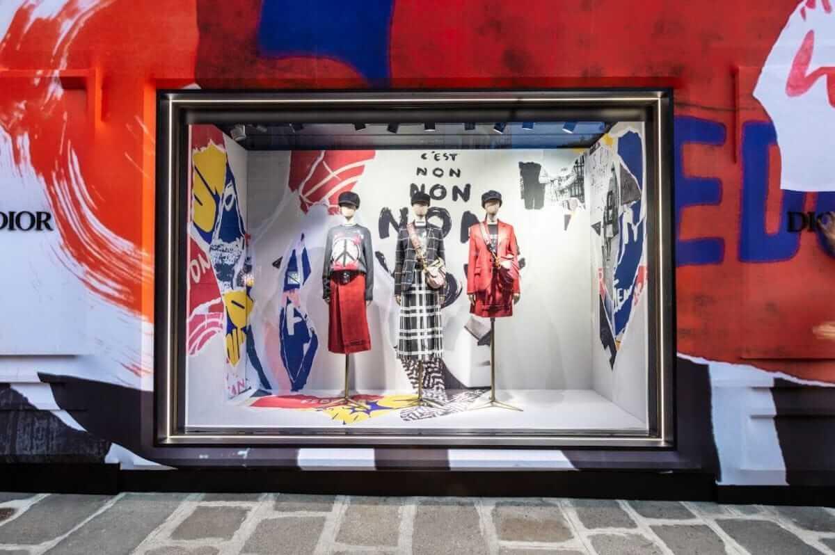 ディオール、パリ本店が期間限定でカラフルに! fashion180705_dior_4-1200x798