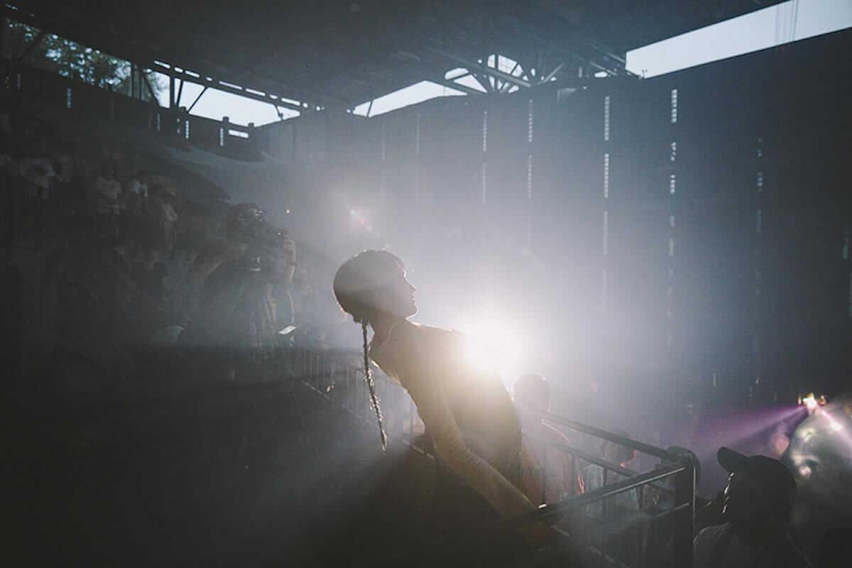 水曜日のカンパネラ 円形劇場公演レポート。全国4都市を巡る「ガラパゴスツアー」開催も決定! music180702_wedcamp_3-1200x800