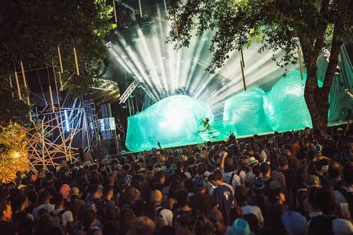 水曜日のカンパネラ、フランスの音楽フェス「Les Eurockéennes de Belfort」で躍動!ヨーロッパのファンを魅了 music180710_wedcamp_5-1200x800