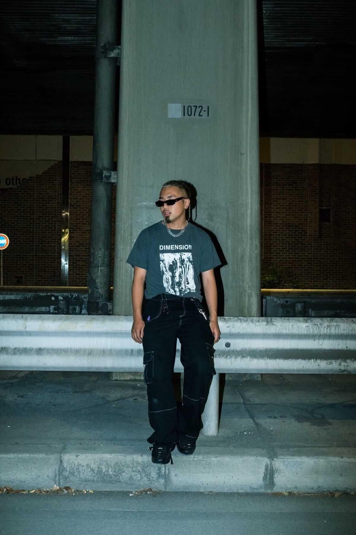 kZmがSpikey John監督の「Wolves feat. 5lack」MVを公開|<YENJAMIN>会場ではCreativeDrugStoreとのコラボグッズも music180717_kzm_4-1200x1802