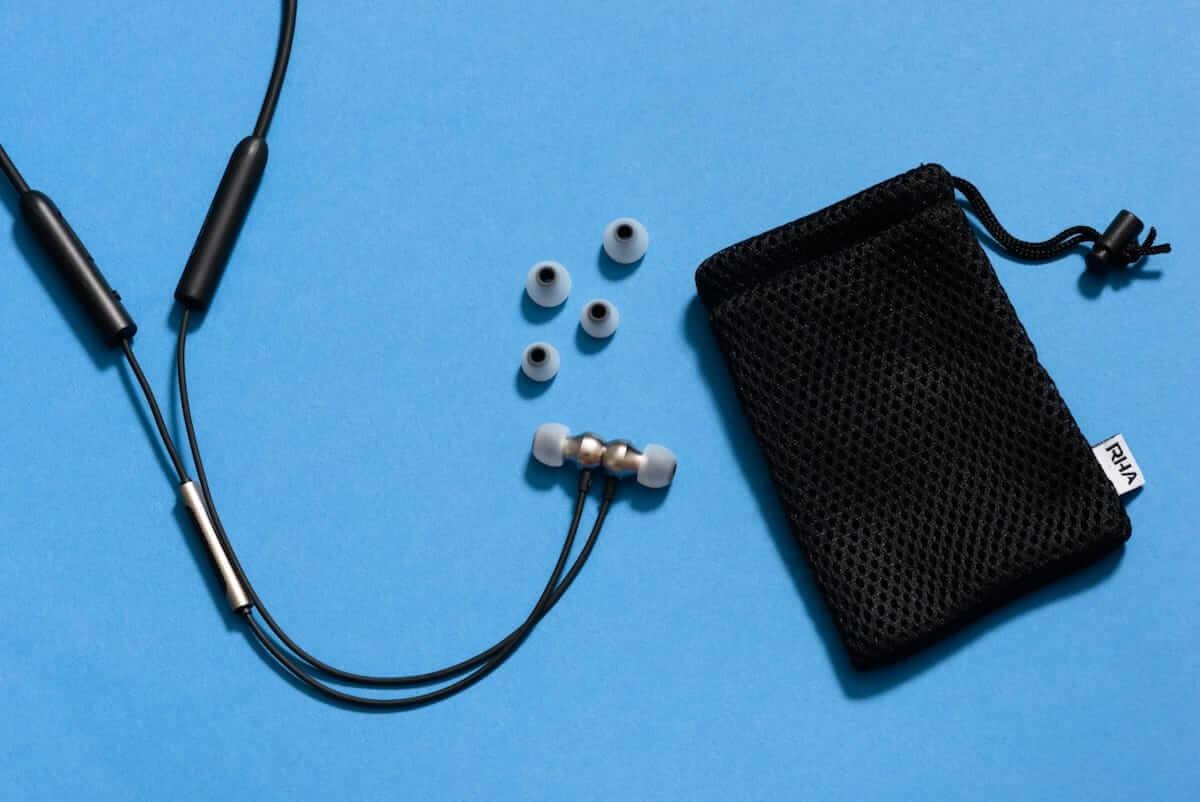 1万円以下で買えるコスパ最強ワイヤレスイヤホン!RHA「MA390 Wireless」登場! technology180705_rha_5-1200x802