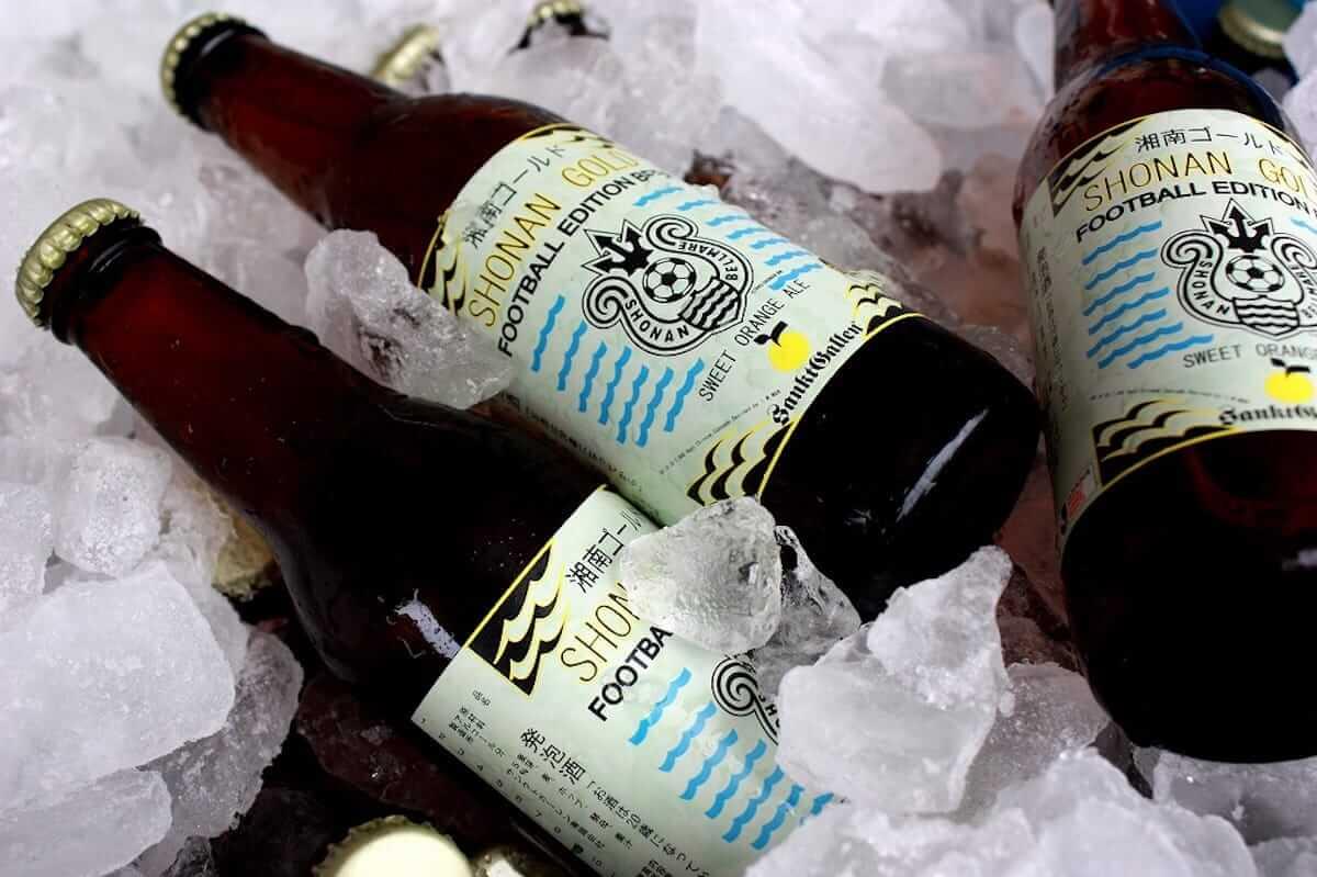 チャンス・ザ・ラッパーも注目?ビールとヨガが融合した「ビールヨガ」で身体を整えよう art_culture180810-beeryoga-4-1200x799
