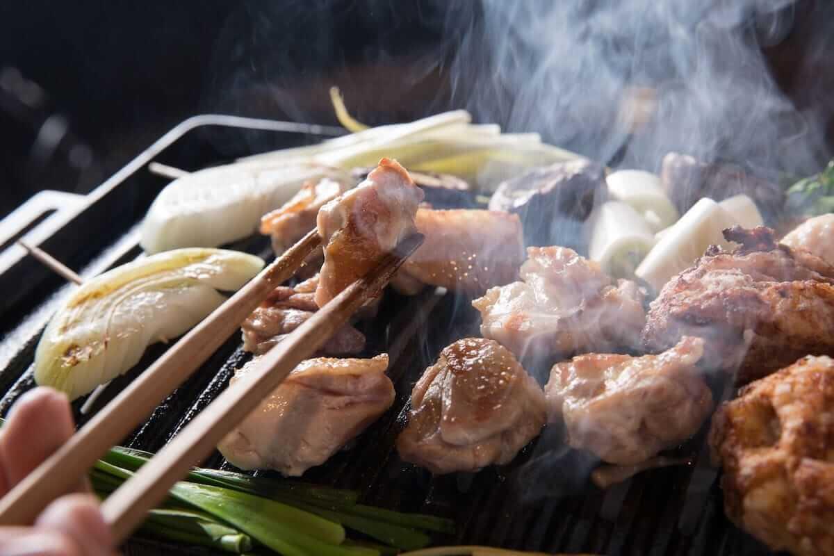 お酒を1杯2円で楽しめるイベントが中目黒の地鶏焼肉店「鶏ノ屋」で開催 food180815-torinoya-1-1200x800