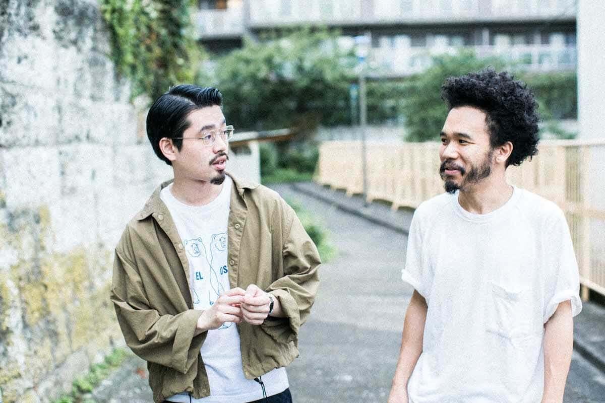 日本の音楽シーンを牽引するmabanua(Ovall)とハマ・オカモト(OKAMOTO'S)が語る「リズム隊」の魅力 music180828_mabanua_hamaokamoto_02-1200x800