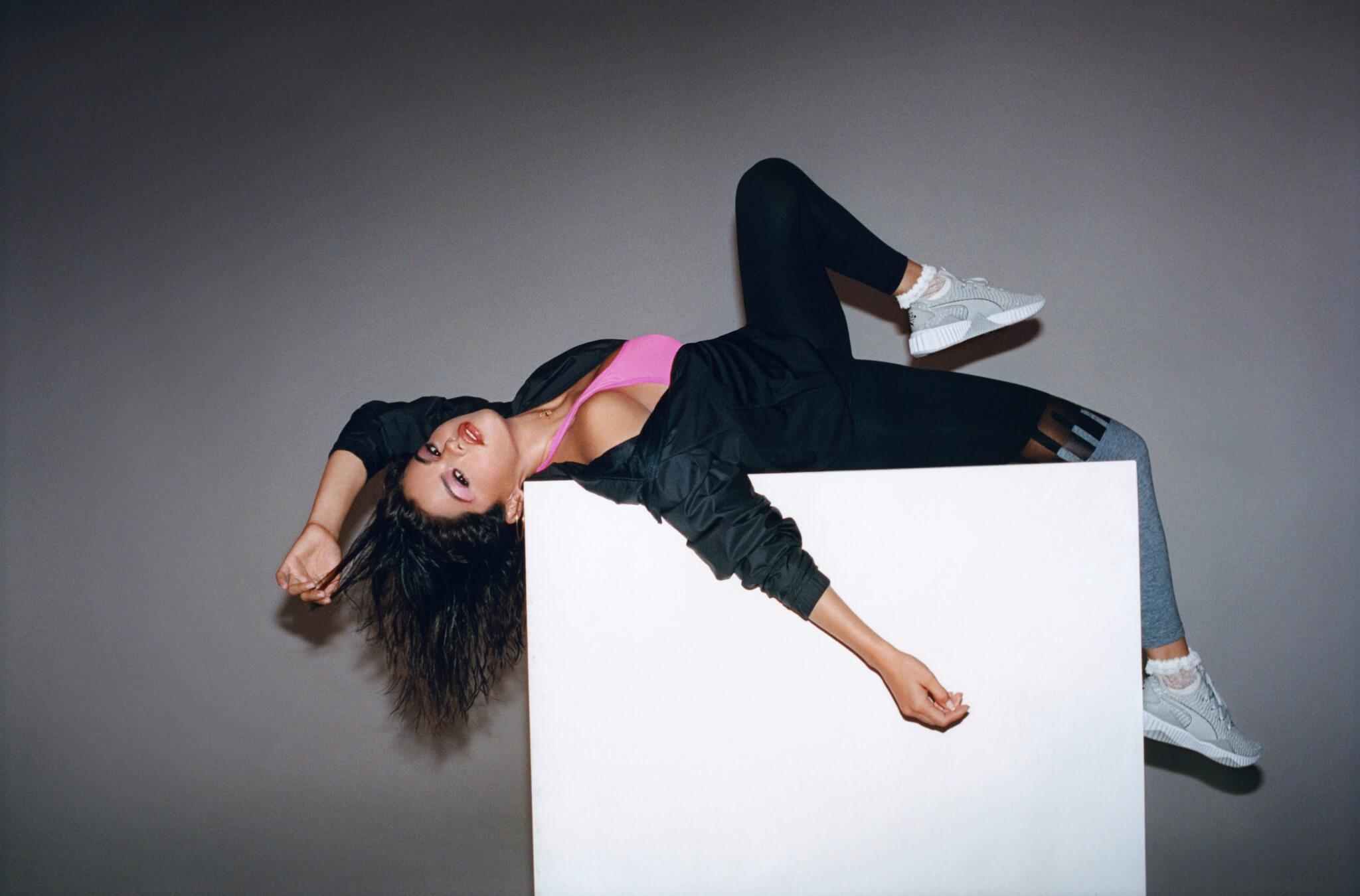 プーマ×セレーナ・ゴメス  初の共同プロデュースモデルとなる「Defy×SG」発表! fashion180916_pume-selenagomez_012