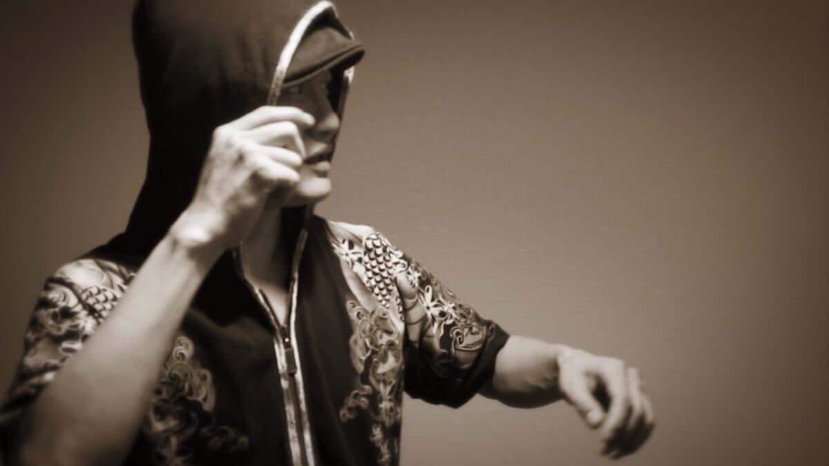 個性派MC・本田Qが全編漢字でラップした楽曲「南無」のリリックビデオを公開 music180913-honda-q-2-1200x675