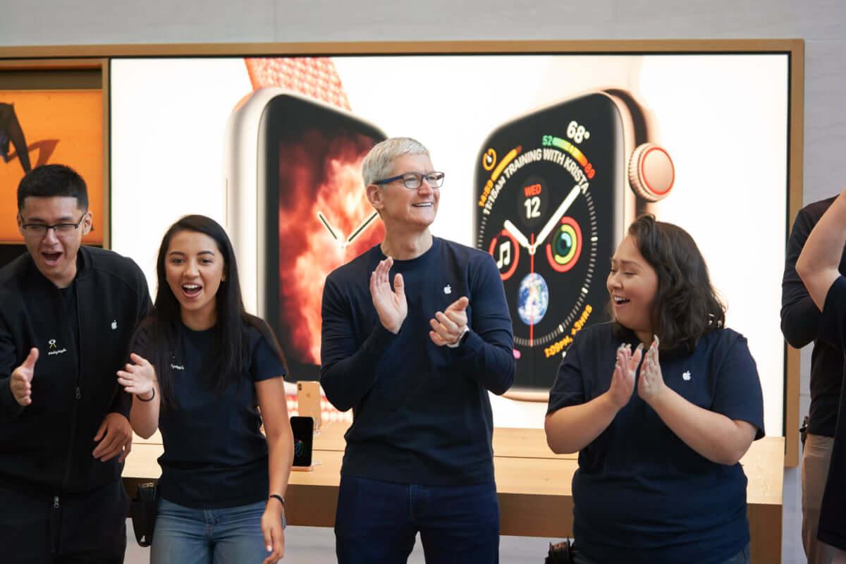 計1,000万円相当のiPhone XSなどが盗まれる。Apple Storeが12時間で2回の窃盗被害 technology180927_apple-store_1-1200x800