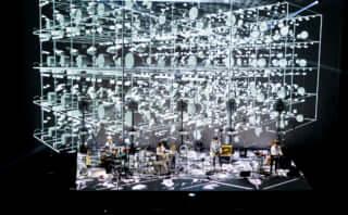 【ライブレポ】コーネリアスがツアー<Mellow Waves Tour 2018>を通して作り上げた世界観とは?