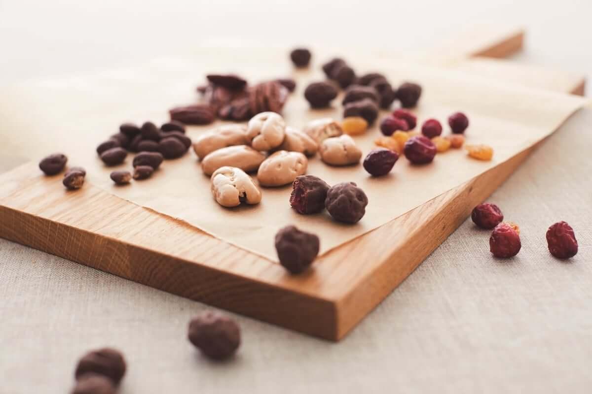 無印良品から新チョコレート菓子9アイテムが新登場!チョコレートと相性抜群の素材を組み合わせ food181009_muji_01-1200x800
