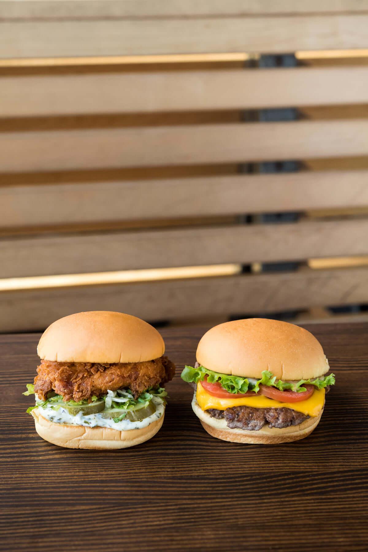 Shake Shack日本上陸3周年記念!世界で人気のチキンバーガー「チキンシャック」が日本上陸! food181029_shakeshack_3-1200x1800