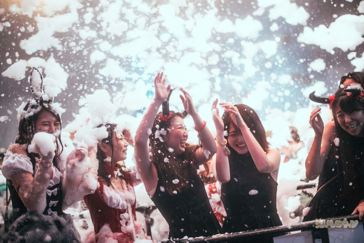 渋谷で未成年OKの最狂ハロウィンイベント<泡ハロウィン>開催! life181009_awapa-halloween_1-1200x801