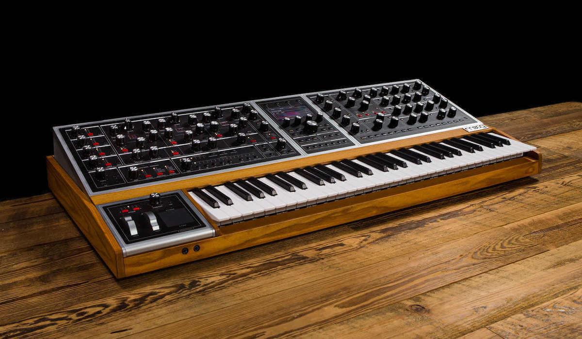35年ぶり新ポリフォニックアナログシンセサイザー「Moog One」発表。紹介動画に坂本龍一、マーク・ロンソン、ロバート・グラスパーら豪華メンバー出演! music181009_moog-one_2-1200x700