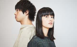 映画『ここは退屈迎えに来て』橋本愛×渡辺大知インタビュー | ほんとうは何者でもないわたしたちのために
