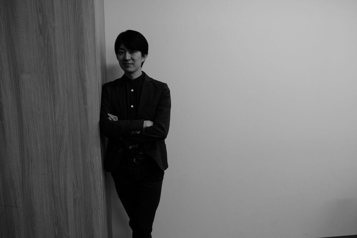 福祉クリエイターや音楽家、複数の顔をもつ澤田智洋さんが登場!新インタビューシリーズ『imfamous』がスタート! interview_tomohirosawada_2-1200x800