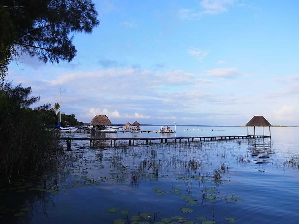 メキシコ最後の旅、七色に輝くバカラル湖 kmpost70_1008498-1200x900