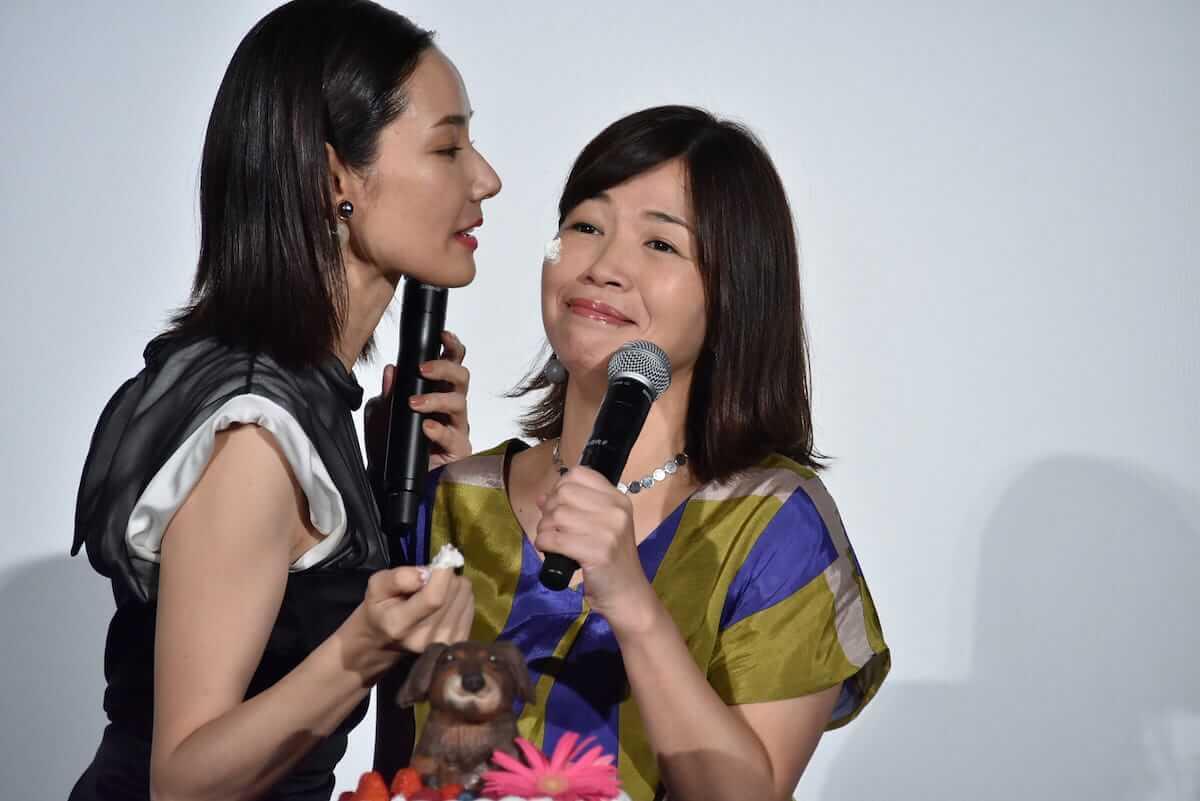 吉田羊、大久保佳代子、広末涼子が理想のキスを赤裸々に語る!「短くてもキュンとするし、長すぎてもハラハラする。」 film180514_lovedog_3-1200x801