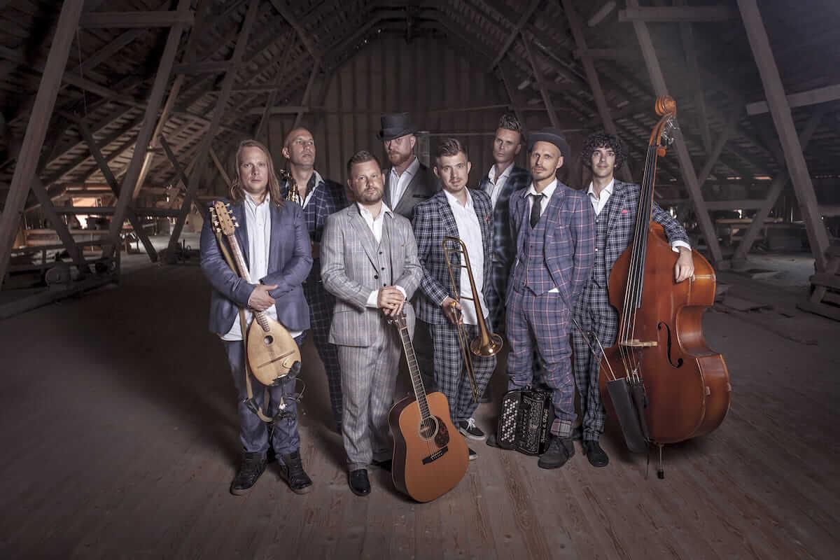 スウェーデンのインストバンド「レーヴェン」、3年ぶりとなるアルバム『15』発売&来日公演が決定! music180529_rafven_kawasaki_sub-1200x800