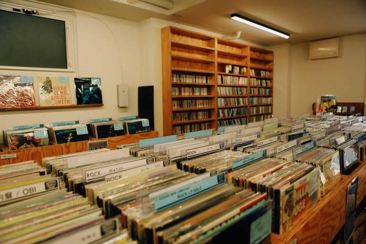 レコード初心者でも安心!FACE RECORDS&GENERAL RECORD STOREの店長が語るレコードの魅力と選び方 artculture180817_facerecords-generalstore_04-1200x800