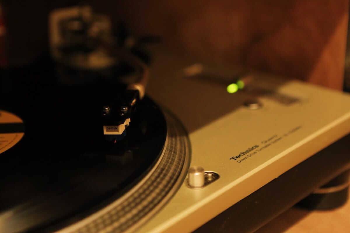 レコード初心者でも安心!FACE RECORDS&GENERAL RECORD STOREの店長が語るレコードの魅力と選び方 artculture180817_facerecords-generalstore_11-1200x800