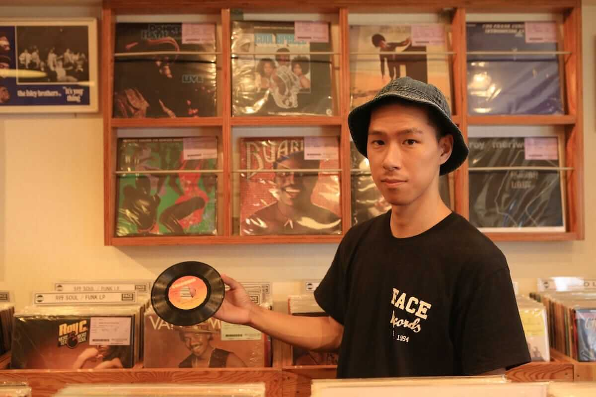 レコード初心者でも安心!FACE RECORDS&GENERAL RECORD STOREの店長が語るレコードの魅力と選び方 artculture180817_facerecords-generalstore_13-1200x800