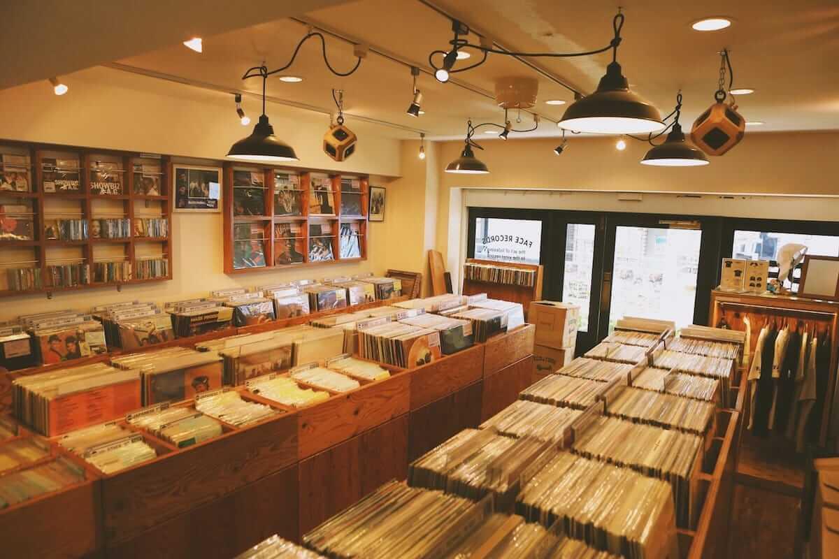 レコード初心者でも安心!FACE RECORDS&GENERAL RECORD STOREの店長が語るレコードの魅力と選び方 artculture180817_facerecords-generalstore_14-1200x800
