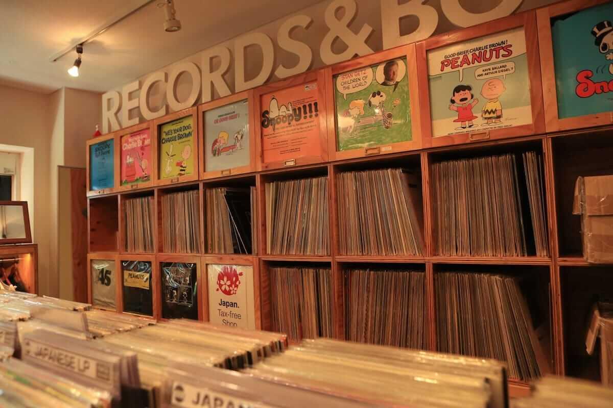 レコード初心者でも安心!FACE RECORDS&GENERAL RECORD STOREの店長が語るレコードの魅力と選び方 artculture180817_facerecords-generalstore_15-1200x800