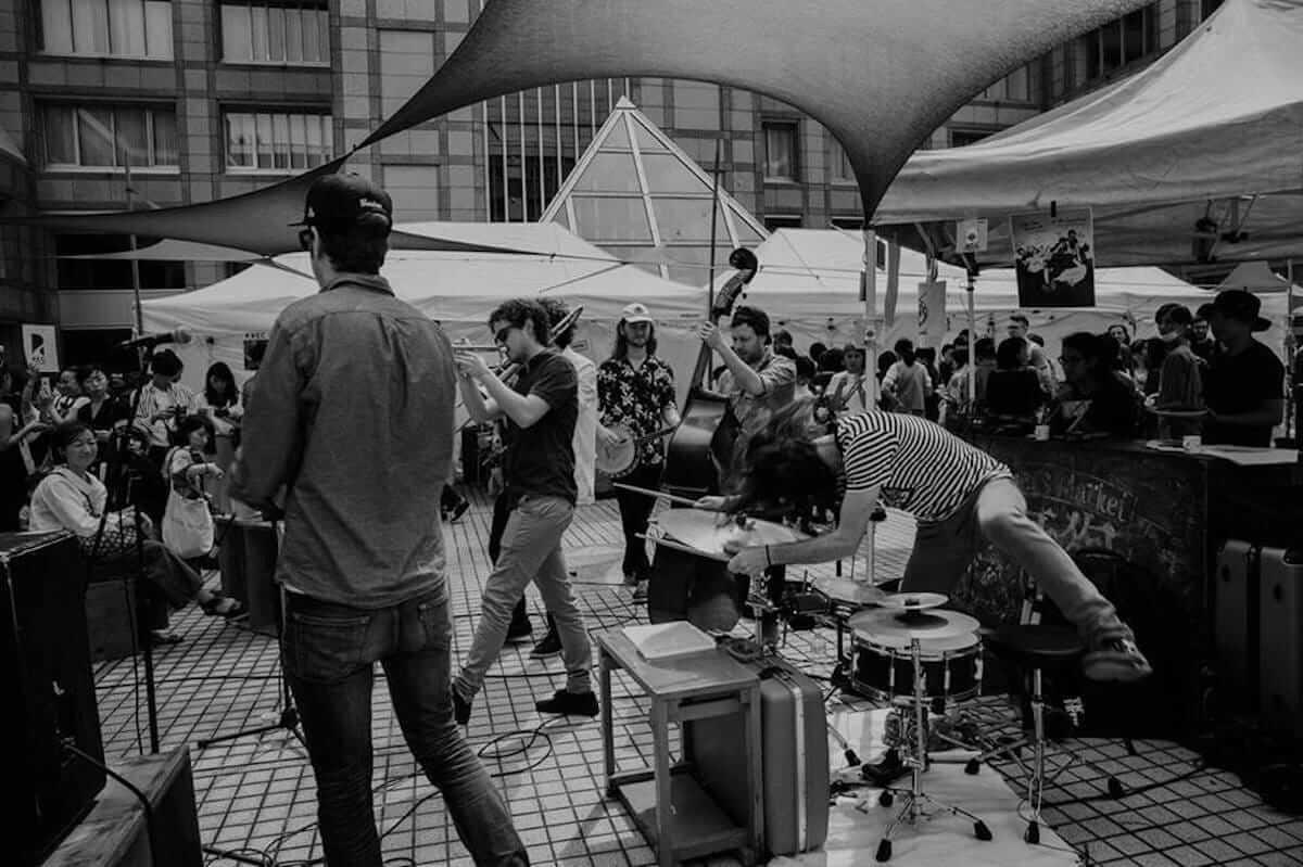 最初に覚えた日本語は「二日酔い」?ジャズとアートの街、メルボルンの空気をビール片手に伝達するジャズバンドThe Lagerphonesが来日 music180810-lagerphones-3-1200x799