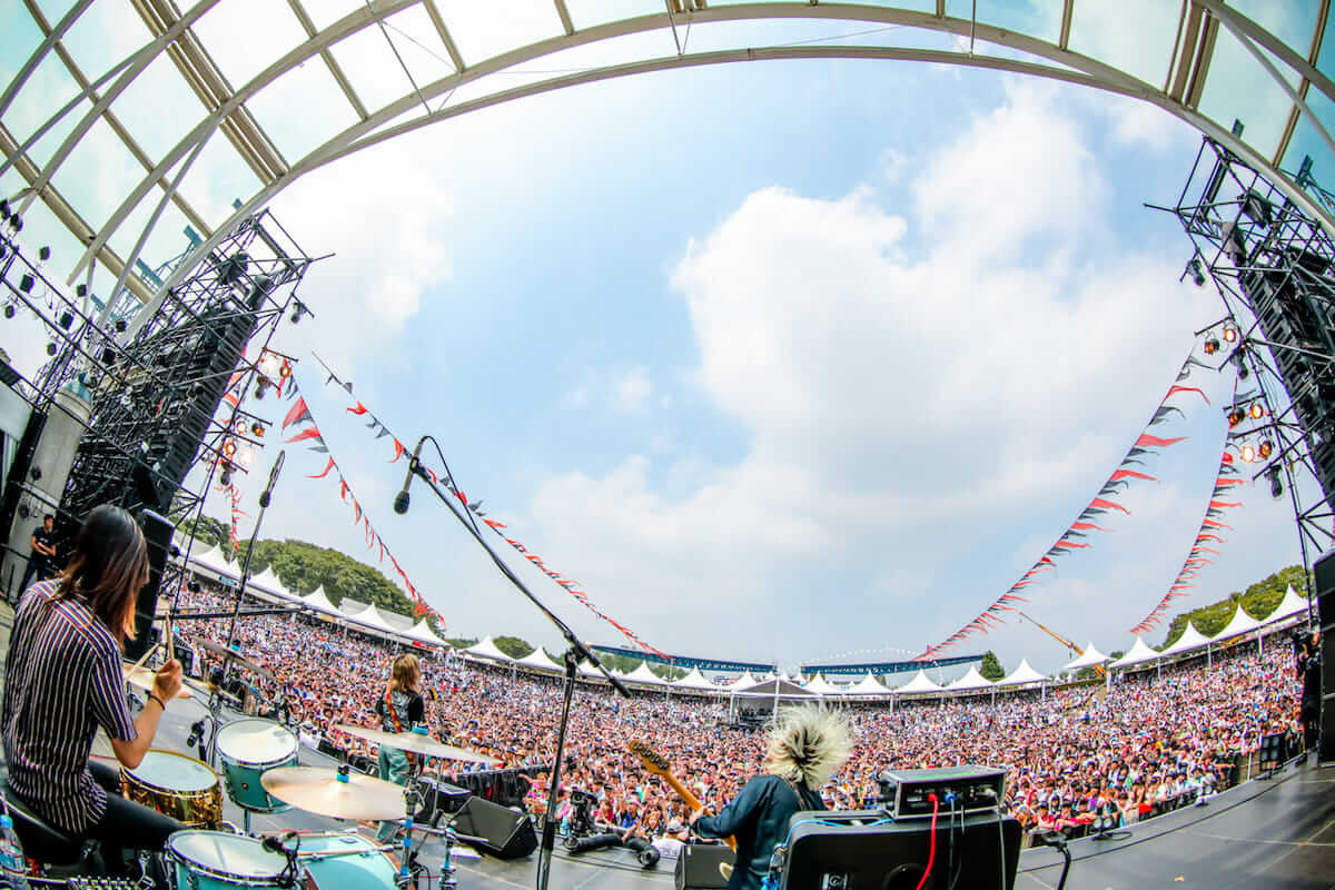 Qetic×yonige全フェス追っかけライブレポ&インタビュー|ROCK IN JAPAN FESTIVAL/RISING SUN ROCK FESTIVAL編 music180821_yonige_05-1200x800