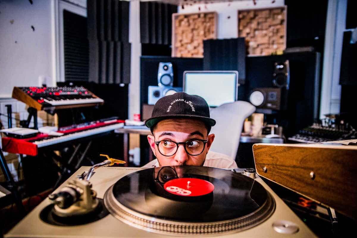 VISIONの人気イベントMODERN DISCOに、デビュー以来Nu-Discoを牽引し続けているAeroplaneが待望の初来日! music180918-modern-disco-2-1200x799