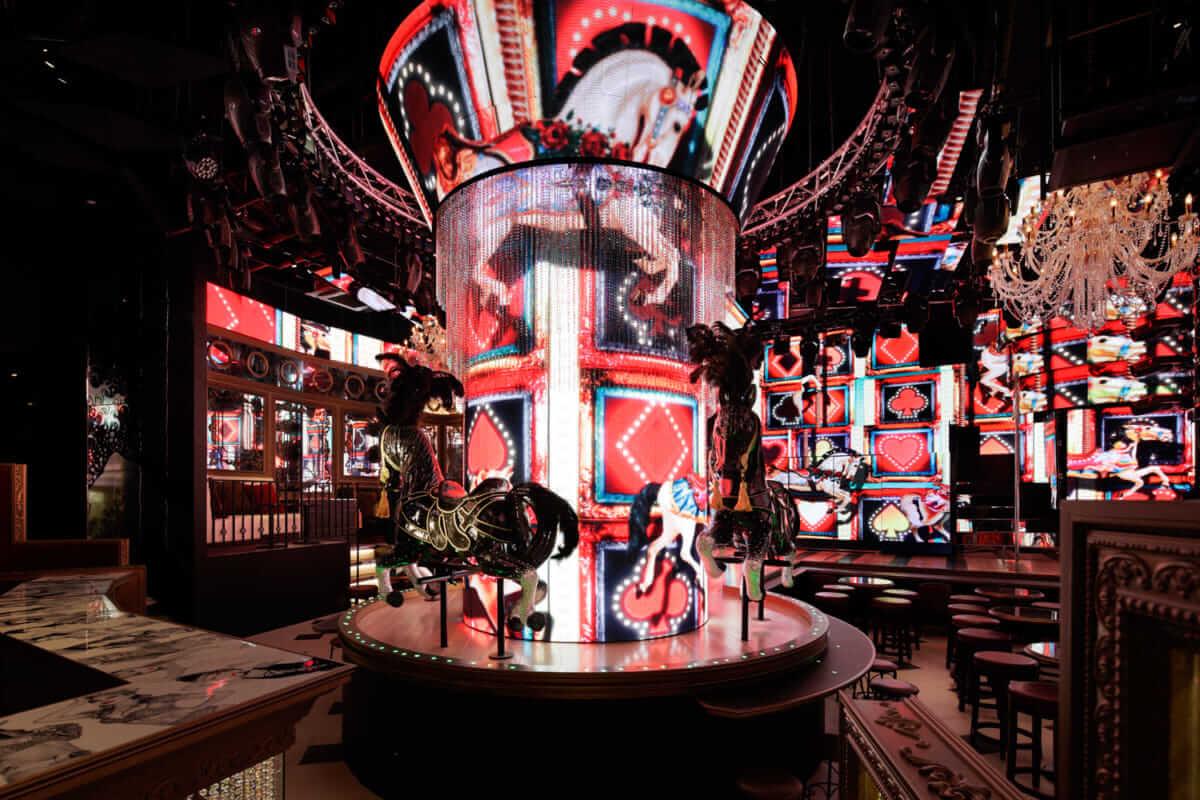 【インタビュー】新バブル時代開幕宣言!?バーレスク東京のプロデューサーryotaが、バブル期の伝説とスペシャルイベントについて語る burlesque_003-1200x800
