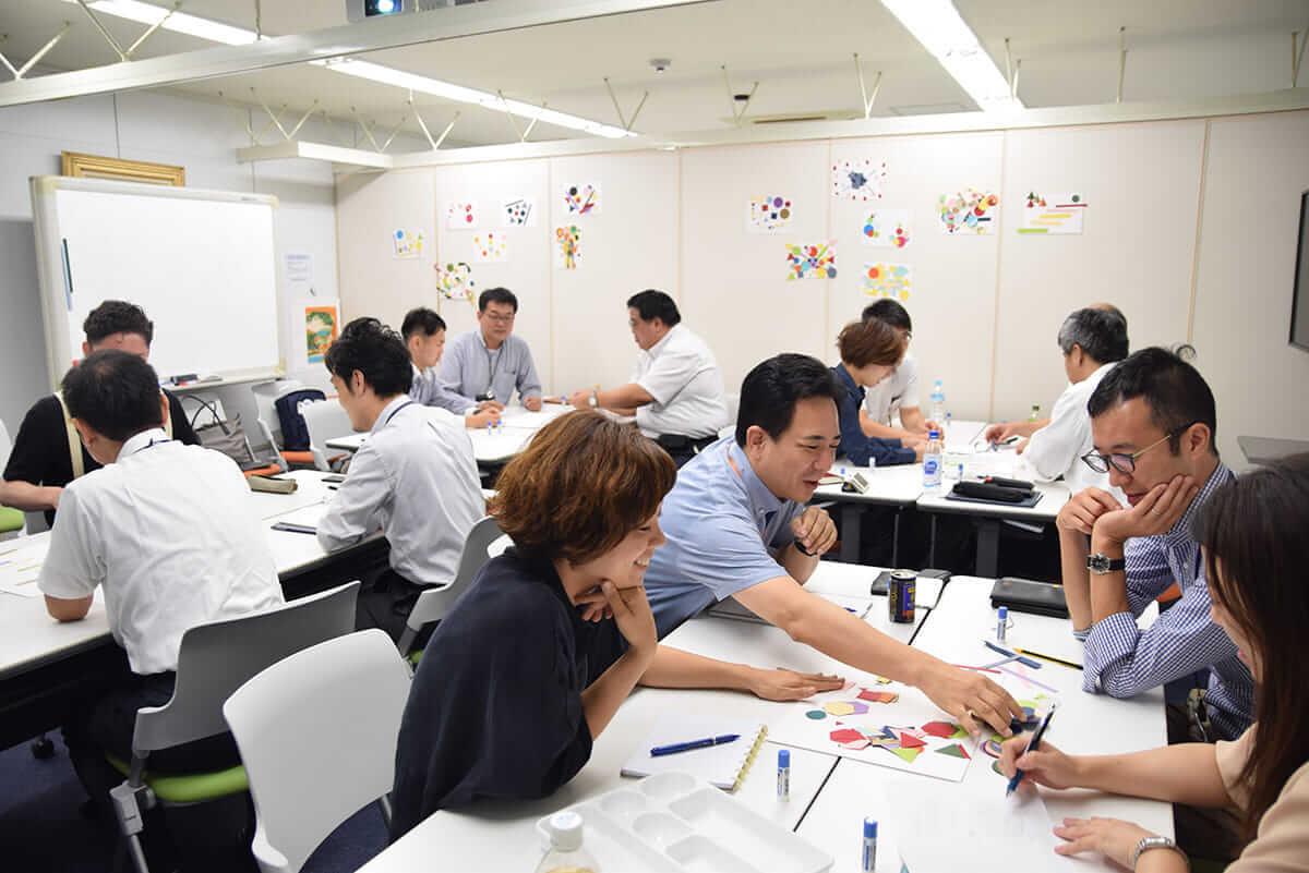【インタビュー】ドイツ大使館からIndeedオフィスまで――アートでイノベーションを起こす「TokyoDex」とは? photo_09_sashikae-1200x801