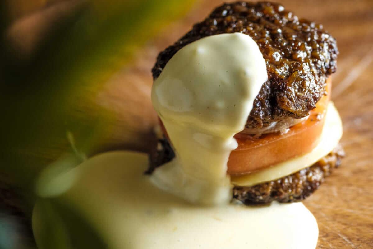 【肉フェス2018】絶対食べたい!とろ~りラクレットチーズのCCC肉バーガーが今年も出展決定! gourmet180419_nikufes_02-1200x800