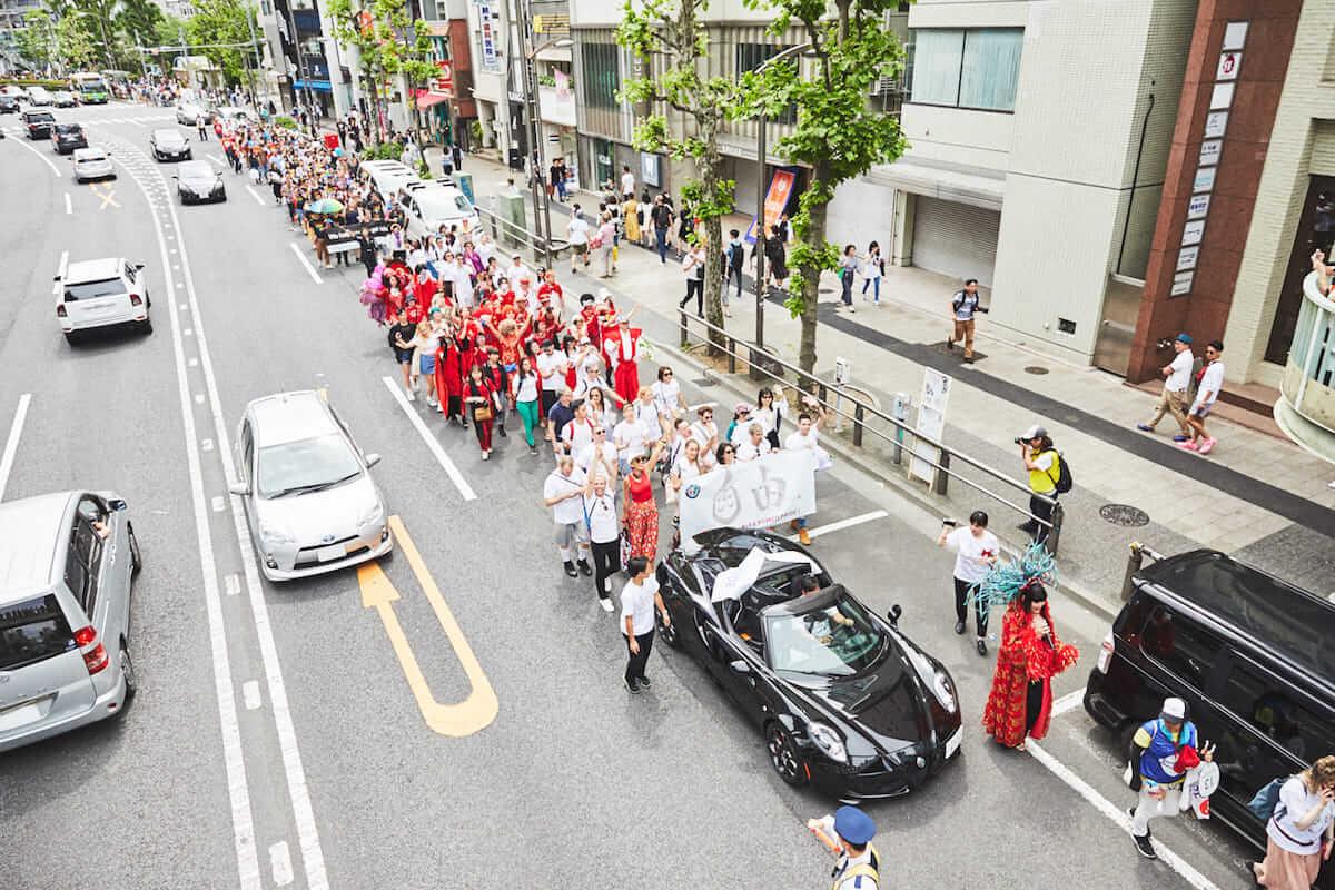 浜崎あゆみの登場でも話題となった<東京レインボープライド2018>のパレードをレポート! 180506_Q_AlfaRomeo_0508-1200x800