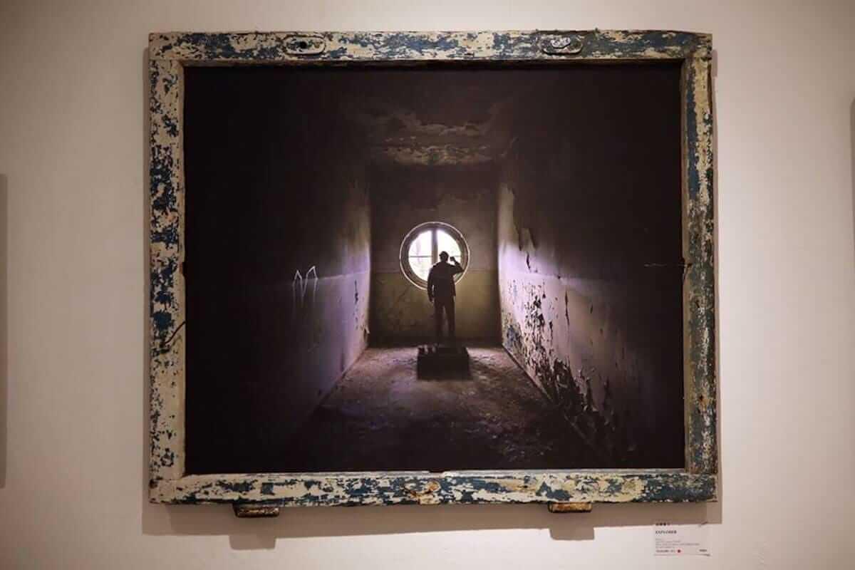 廃墟を撮り続けたベルリンの写真家にインタビュー。消えゆく世界の美しい廃墟に迫る! km-post72_hikarie2-1200x800
