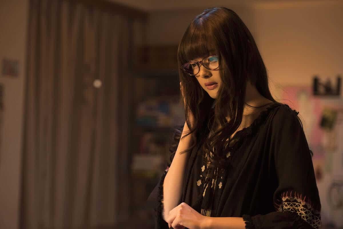 玉城ティナのメガネ美女七変化写真が公開!映画『わたしに××しなさい!』 film180626_batsu_shina_07-1200x801